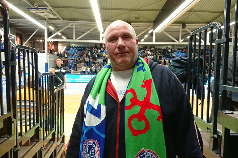 """ZZ Leiden-fan Hennie Kikkert: """"De afgelopen jaren werd het team met de beste pointguard kampioen, en dit seizoen hebben wij die""""."""